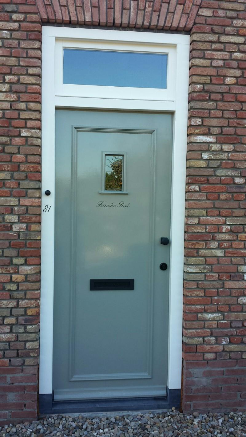 Buitenschilderwerk-deur met naam | dewinterkleur.nl